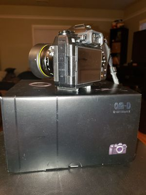 Like new Olympus OMD EM1 Mark 2 for Sale in Carnegie, PA