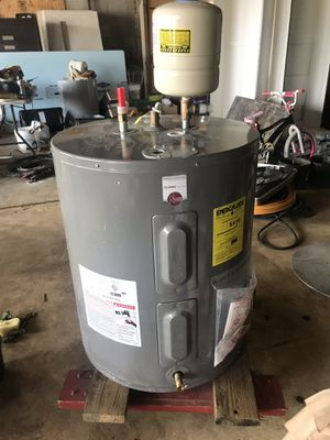 55 Gallons Electric water heater. for Sale in Nashville, TN