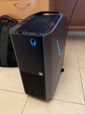 Alienware R7 gaming desktop set up for Sale in Cedar Park, TX