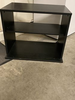 Small Shelf Or Tv Stand for Sale in Lakeland,  FL