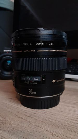 20mm Ultrasonic Canon EF lens 2.8 for Sale in San Antonio, TX