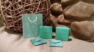 Tiffany & Co (Bag, Boxes, Pouches) for Sale in Barnhart, MO