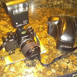 Nikon Fe2 Mint Condition for Sale in Woolwich Township, NJ