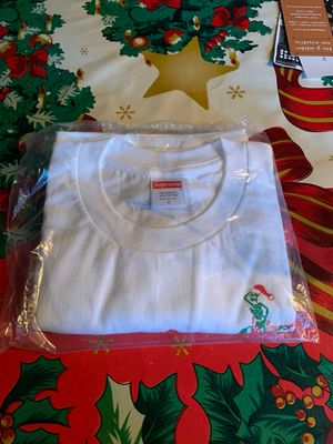 supreme 2017 christmas tee for Sale in Fresno, CA
