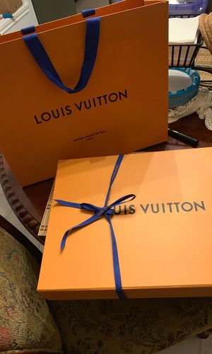 Louis vuitton box and bag for Sale in Garland, TX