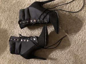 Heels size 7 for Sale in Los Angeles, CA