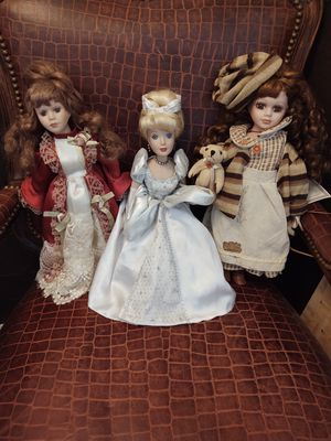 """3 very nice collectible porcelain dolls 16"""" for Sale in Denver, CO"""
