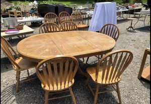 Table and chairs for Sale in Chesterland, OH