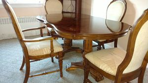 Wood dining room set for Sale in Jamaica, NY
