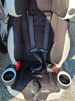 Even Flow Booster Seat. Great Condition! for Sale in Grand Terrace,  CA