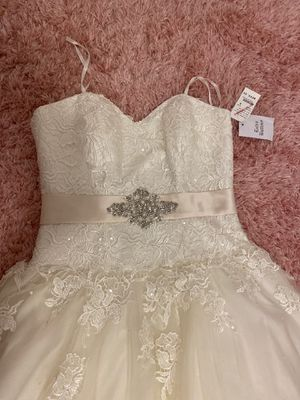 Wedding dress, new, never used for Sale in Watsonville, CA