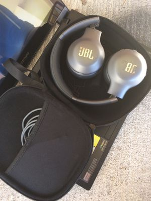JBL Wireless headphones Great condition for Sale in Houston, TX