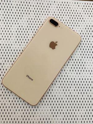 iPhone 8 Plus (256 GB) Desbloqueado con garantià for Sale in Cambridge, MA