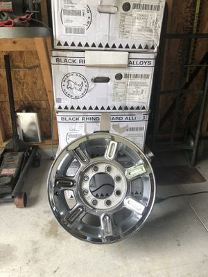 2006 H2 Hummer parts includes 5 rims for Sale in Northfield, OH