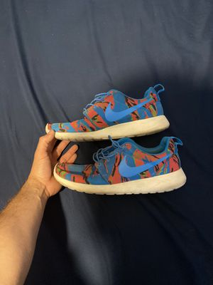 Nike shoes (RARE) size 9 for Sale in El Paso, TX
