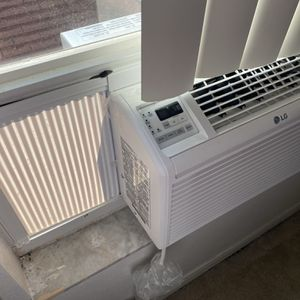6000 BTU AC UNIT!!! Like New! for Sale in Kissimmee, FL