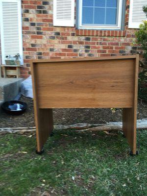 Small desk w wheels for Sale in Herndon, VA