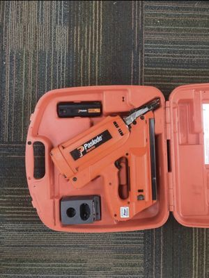 Paslode Nail Gun, included with Battery and Charger, Great condition! for Sale in Everett, WA