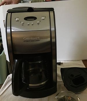 Cuisinart grind and brew 12 cup auto coffee maker programmable with timer for Sale in Hummelstown, PA