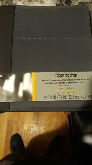"1"" zipper ring binder- carpeta con anillos y cremallera de 1"" for Sale in Holyoke, MA"
