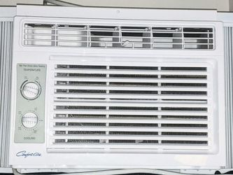 Comfort Aire Window AC Unit - RG-51Q for Sale in Portland,  OR