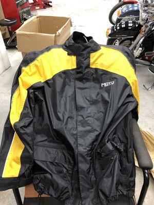 Moto Centric Motorcycle Rain Suit (Medium) for Sale in Palm City, FL