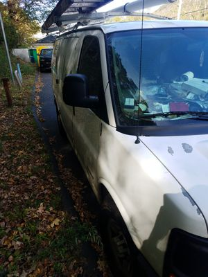 2005 Chevy express 3500. 218000 miles for Sale in Bridgeport, CT