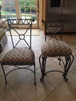 Dining Room Chairs and Matching Counter Chairs for Sale in Bridgeville, PA