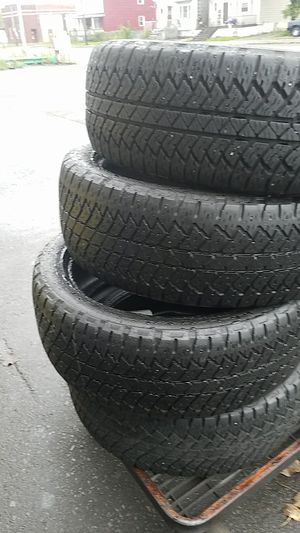 285 45 22 (4) used tires free installation for Sale in West Seneca, NY