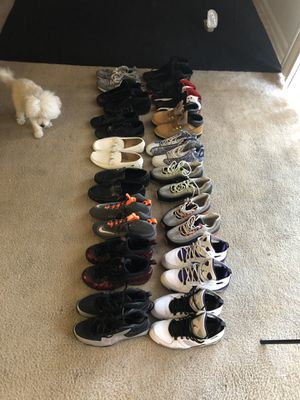 16 pairs of shoes sizes 10-11 for Sale in Forest Heights, MD