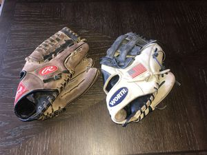 Baseball gloves for Sale in Sioux City, IA