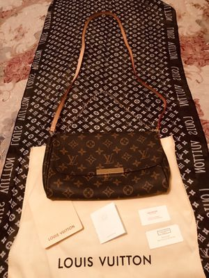 Louis Vuitton Crossbody for Sale in Silver Spring, MD