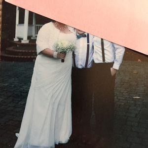 Wedding dress( size 22W) for Sale in Milwaukie, OR