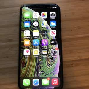 Iphone Xs 64gb Factory Unlocked for Sale in Newport Beach, CA