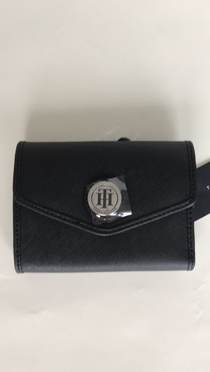 Tommy hilfiger leather small wallet for Sale in North Bay Village, FL
