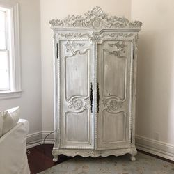 Antique Whitewashed Pine Armoire for Sale in Tampa,  FL