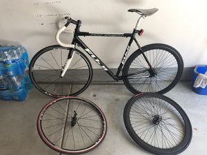 FUGI Roubaix 1.0 Fixed gear bike FRAME and wheels for Sale in San Diego, CA
