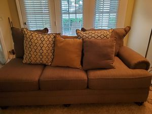 Sectional couch for Sale in Peachtree Corners, GA