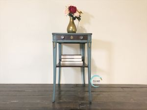 Mid Century End Table for Sale in Austin, TX