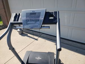 Nordictrack EXP2000 Motorized Treadmill for Sale in Pataskala, OH