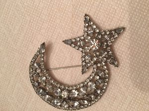 Butler & Wilson Moon and Star ⭐️ Brooch! for Sale in Chester, MD