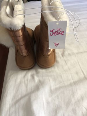 girl boots for the cold for Sale in Lanham, MD