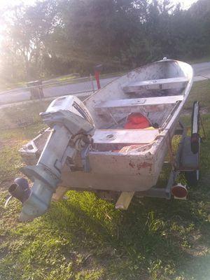 14ft aluminum boat 15hp evinrude engine for Sale in Avon Park, FL