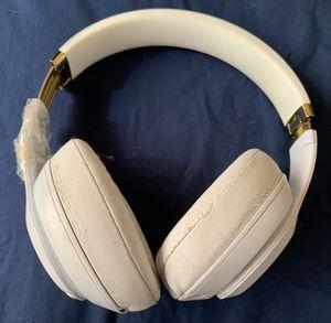 BEAT UP BEATS STUDIO 3 HEADPHONES. HEADPHONES 🎧 ONLY for Sale in San Diego, CA