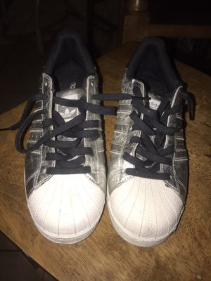 ADIDAS SHOES SIZE 10 for Sale in Houston, TX