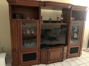 Wall unit - entertainment center for Sale in Miami Gardens, FL