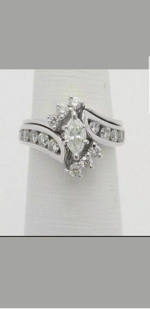 14 KT WHITE GOLD 1 CT MARQUISE DIAMOND WEDDING ENGAGEMENT RING for Sale in Perris, CA