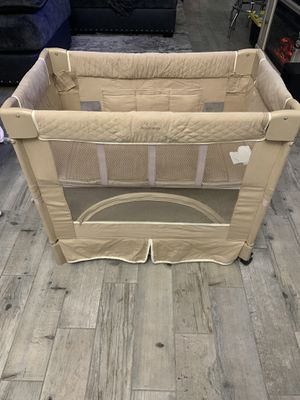 Baby Bassinet for Sale in Glendale, AZ