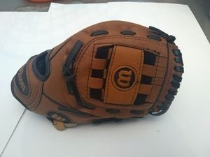 YOUTH BASEBALL GLOVES FOR SALE... LIKE NEW.. DIFFERENT SIZES for Sale in Richmond, CA