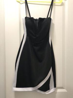 Deep V Neck Plunge Black & White Dress - Large for Sale in Riverview, FL